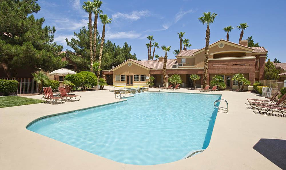 Eastgate Apartments Outdoor Pool