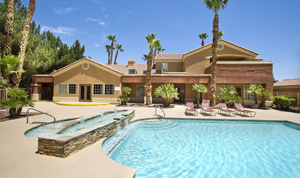 Pool And Hot Tub At Eastgate Apartments