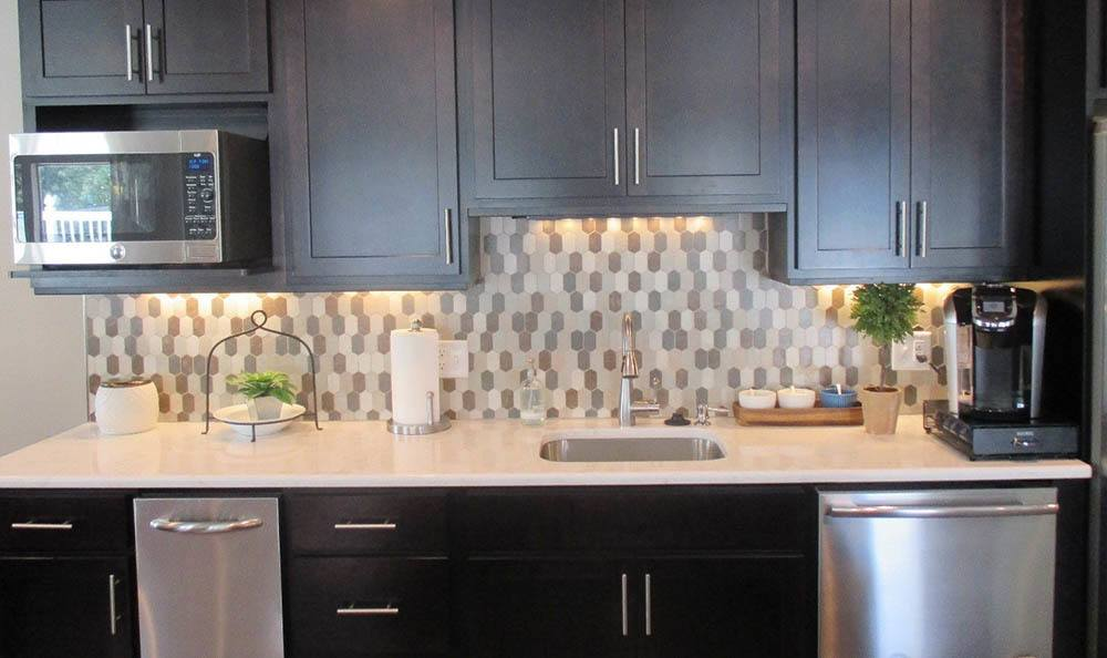 Stainless Steel Appliances At Lakeside Village Apartments