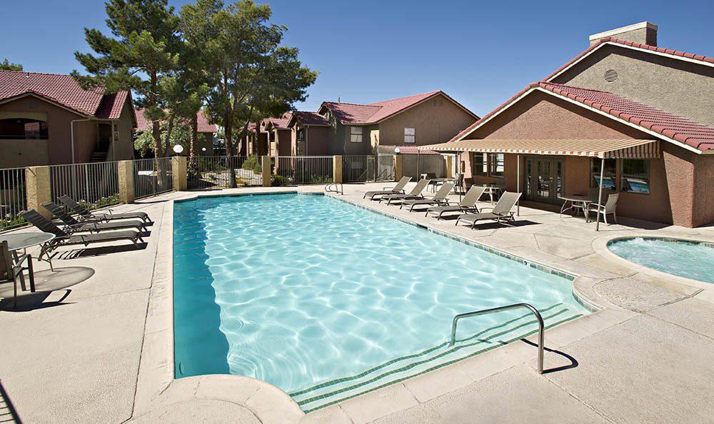 Villas at Mountain Vista Outdoor Pool