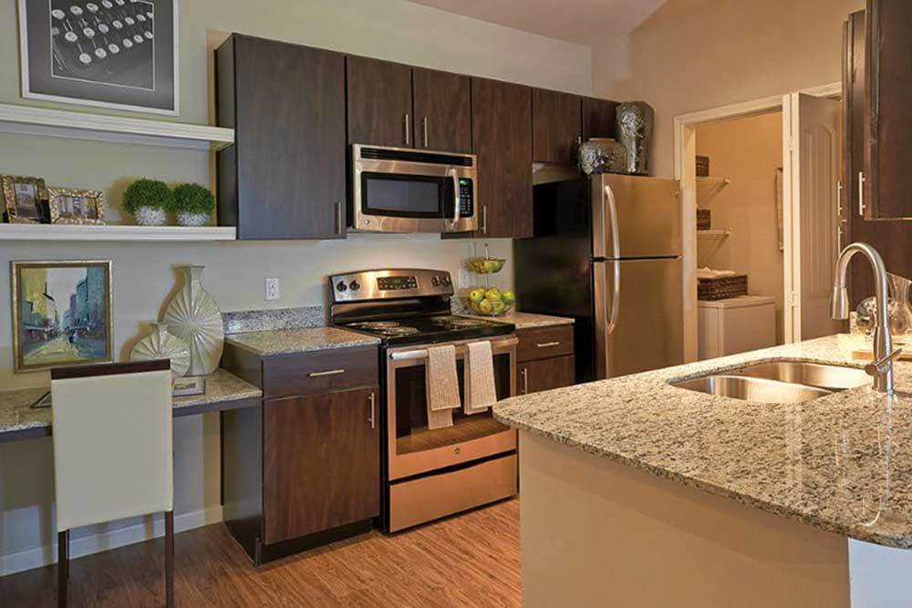 The Remington Katy Apartments With Hard Wood Floors