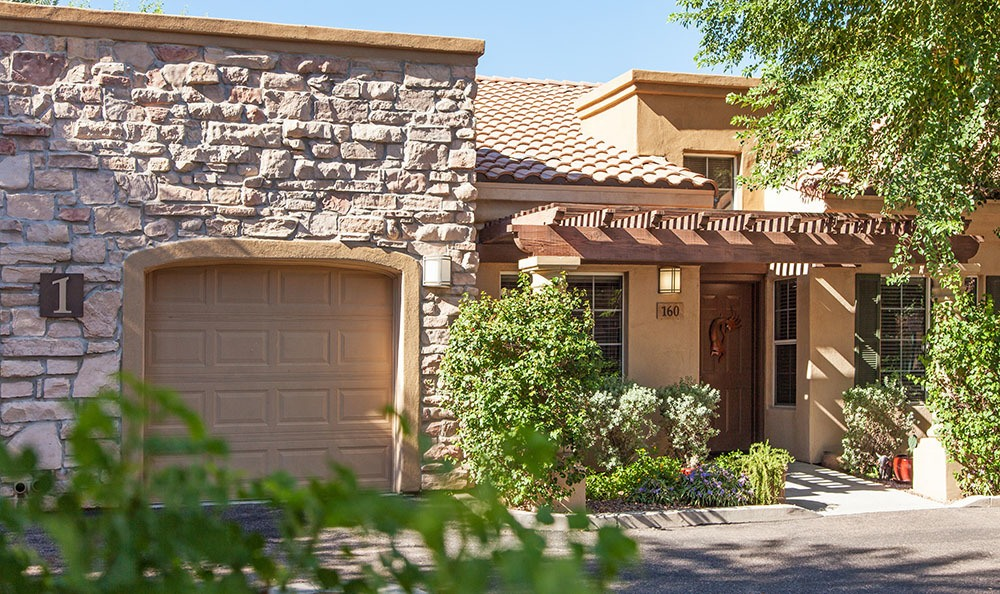 Scottsdale senior living community shows the clean exterior building
