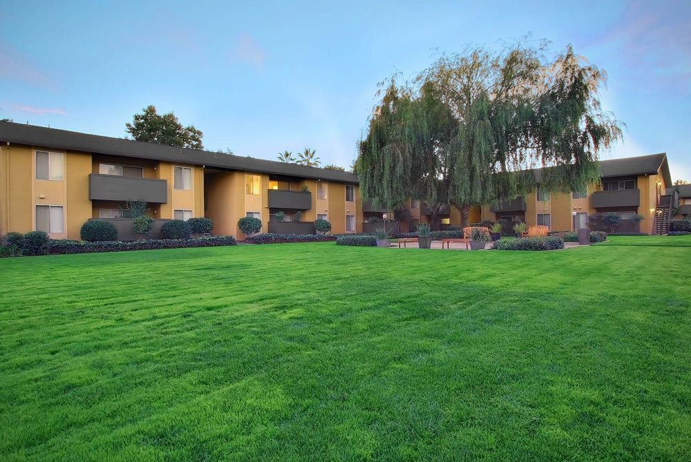 Exterior of apartments in Sunnyvale