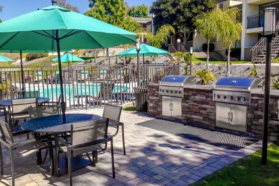 La Mesa apartments includes outdoor lounging