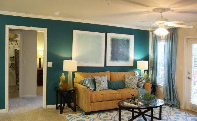 Beautiful living room at Stoneridge Farms at Hillwood in Murfreesboro, TN