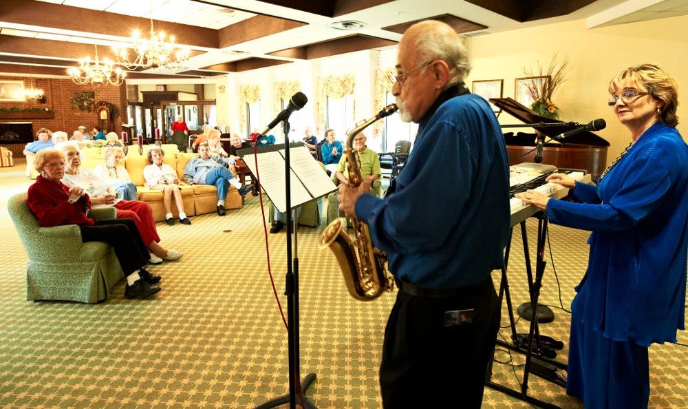 Entertainment At Senior Living In Roseville MI