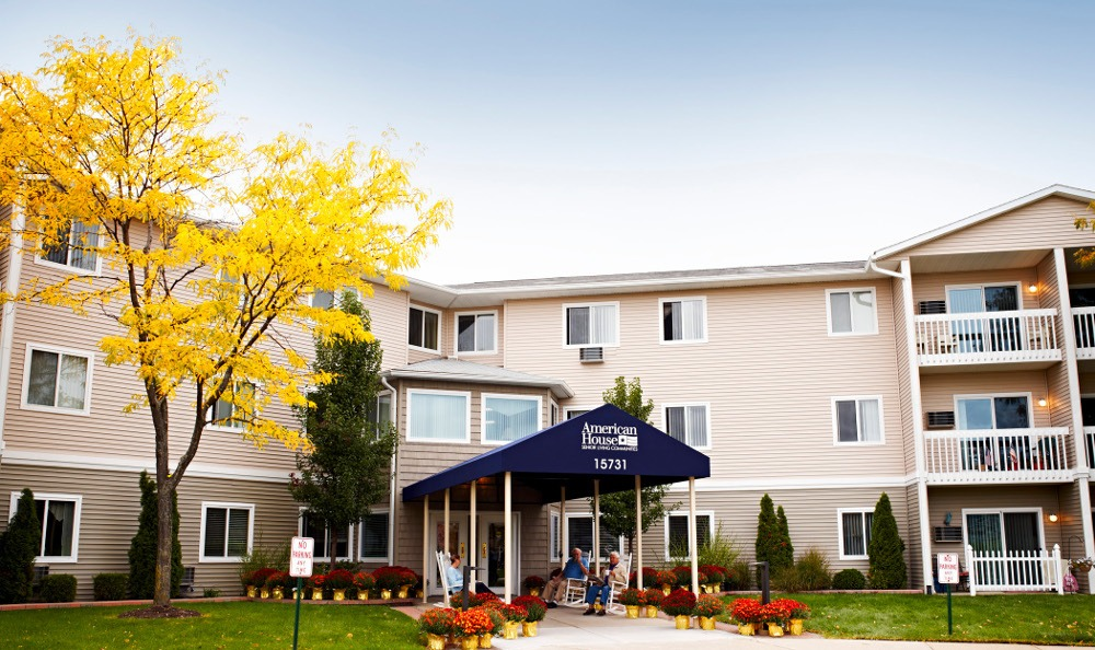 Exterior Of Senior Living In Clinton Township, MI