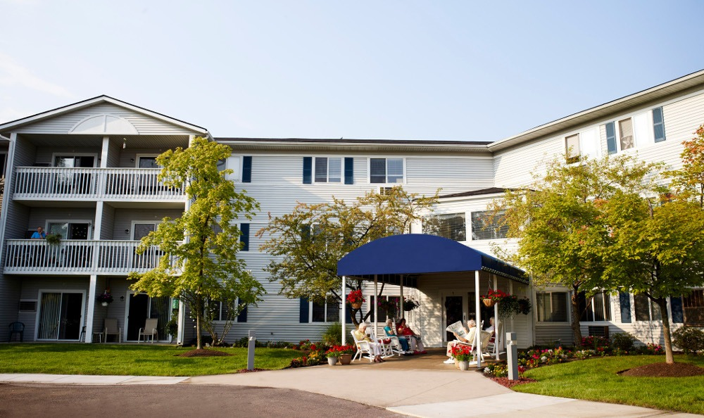 Exterior Of Senior Living In Sterling Heights, MI
