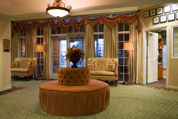 Lobby at Senior Living In Sterling Heights MI