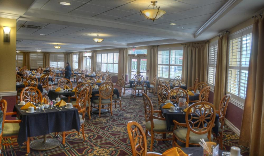 Beautiful Dining Hall At Senior Living in Zephyrhills, FL