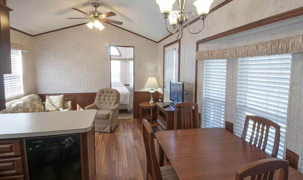 Spacious Dining Room at the Rv Resort in Houston