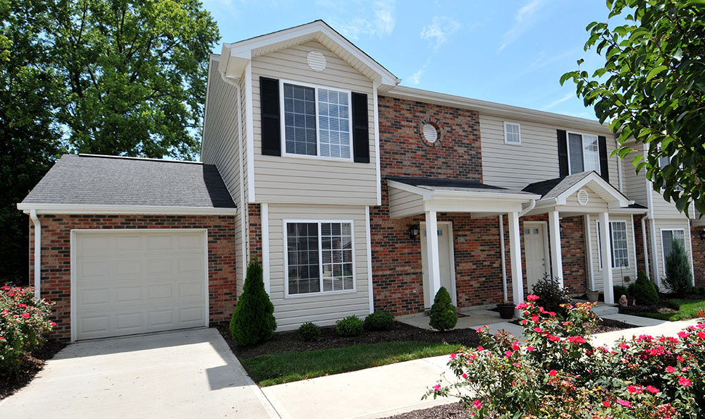 Garages at our Town Homes in Reserve at Ft. Mitchell Apartments