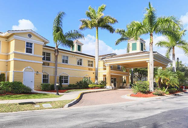 Welcome to our luxury senior living community in Parkland!