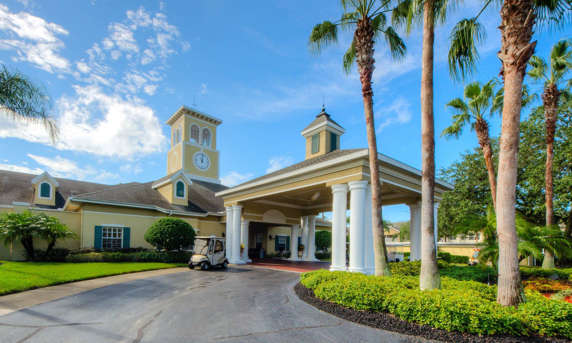 Sun City Center senior living has a wonderful club house