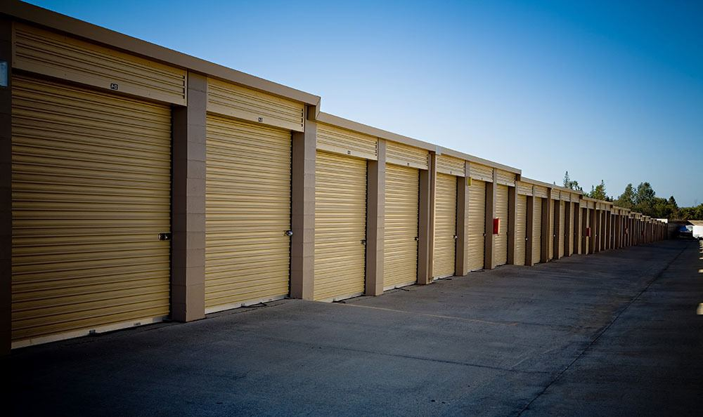 Self storage units in CA