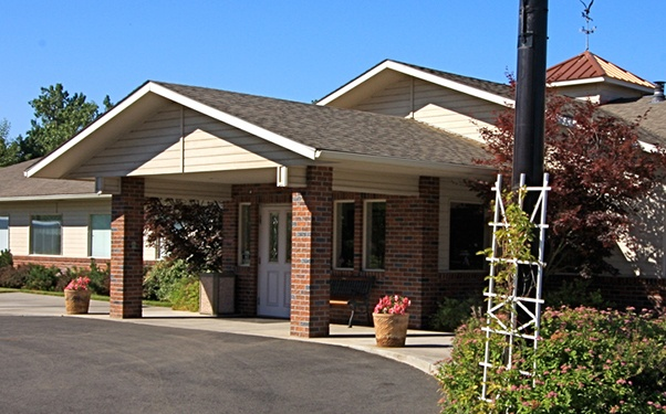 Your loved one will love calling Regency at the Park in College Place, WA, home.