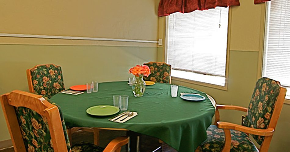 Learn more about dining options at Laurel Hill Nursing Center in Grants Pass, OR.