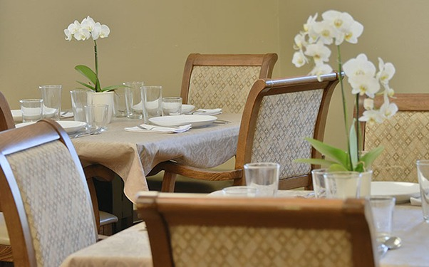 We have plenty of warm and cozy common areas at Regency Redmond Rehabilitation and Nursing Center in Redmond, OR.