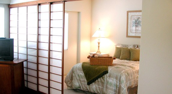 Kailua-Kona, Hawaii senior living includes spacious bedrooms