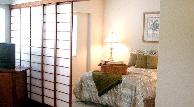 Kailua-Kona, HI senior living includes elegant bedrooms