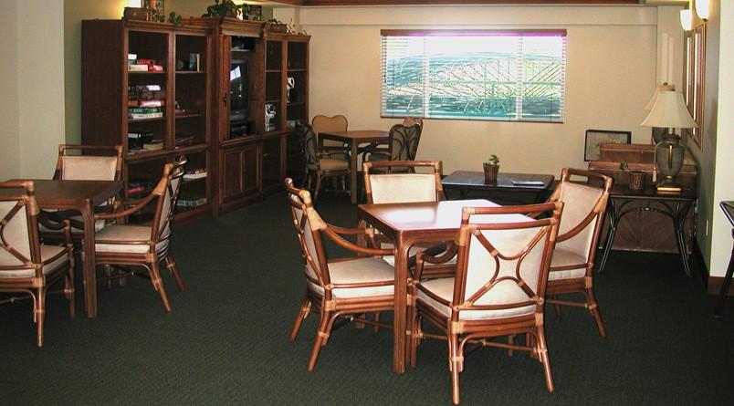 Indoor dining at senior living in Kailua-Kona, HI