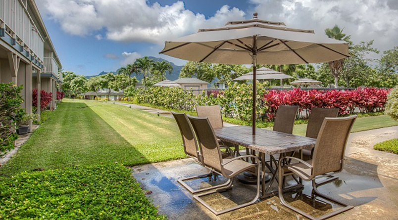 There are plenty of beautiful outdoor seating areas at Regency at Puakea.