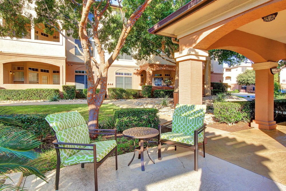 Exterior gathering space at The Marquis at Barton Trails
