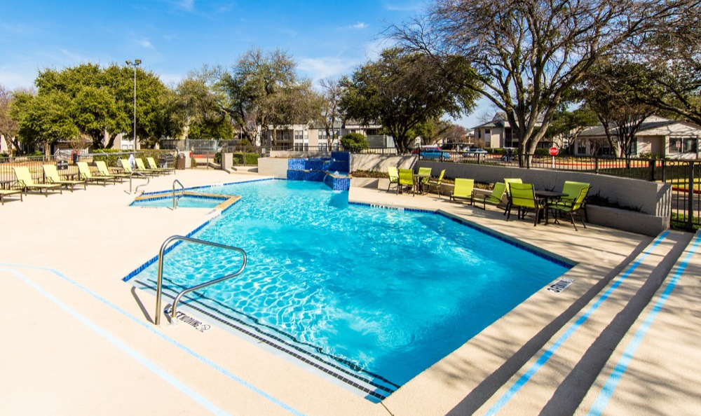 Luxurious pool at Park on Spring Creek in Plano