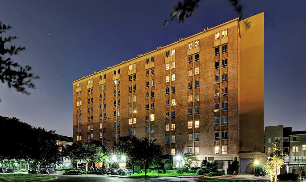Exterior views of apartments at The Marquis Lofts at Hermann Park in Houston, TX