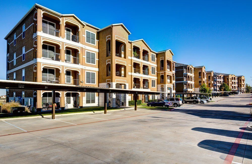 Exterior views of apartments at Marquis at Star Ranch