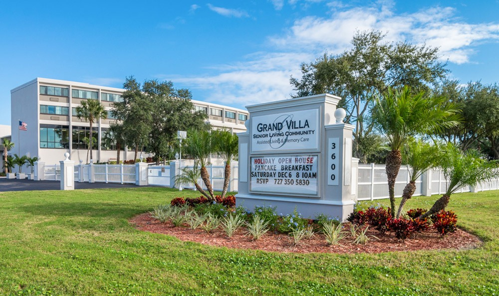 Our residents at Grand Villa of St. Petersburg enjoy our aquatic activities, which take place in the outdoor pool area at our senior living community here in St Petersburg, FL
