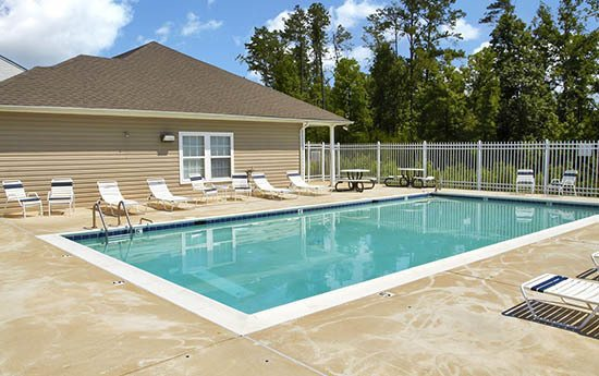 Pool at Broadwater Townhomes in Chester