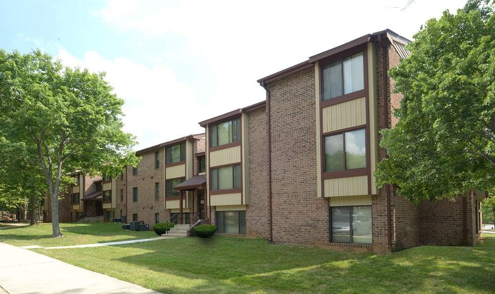 Exterior of apartment units in Columbia