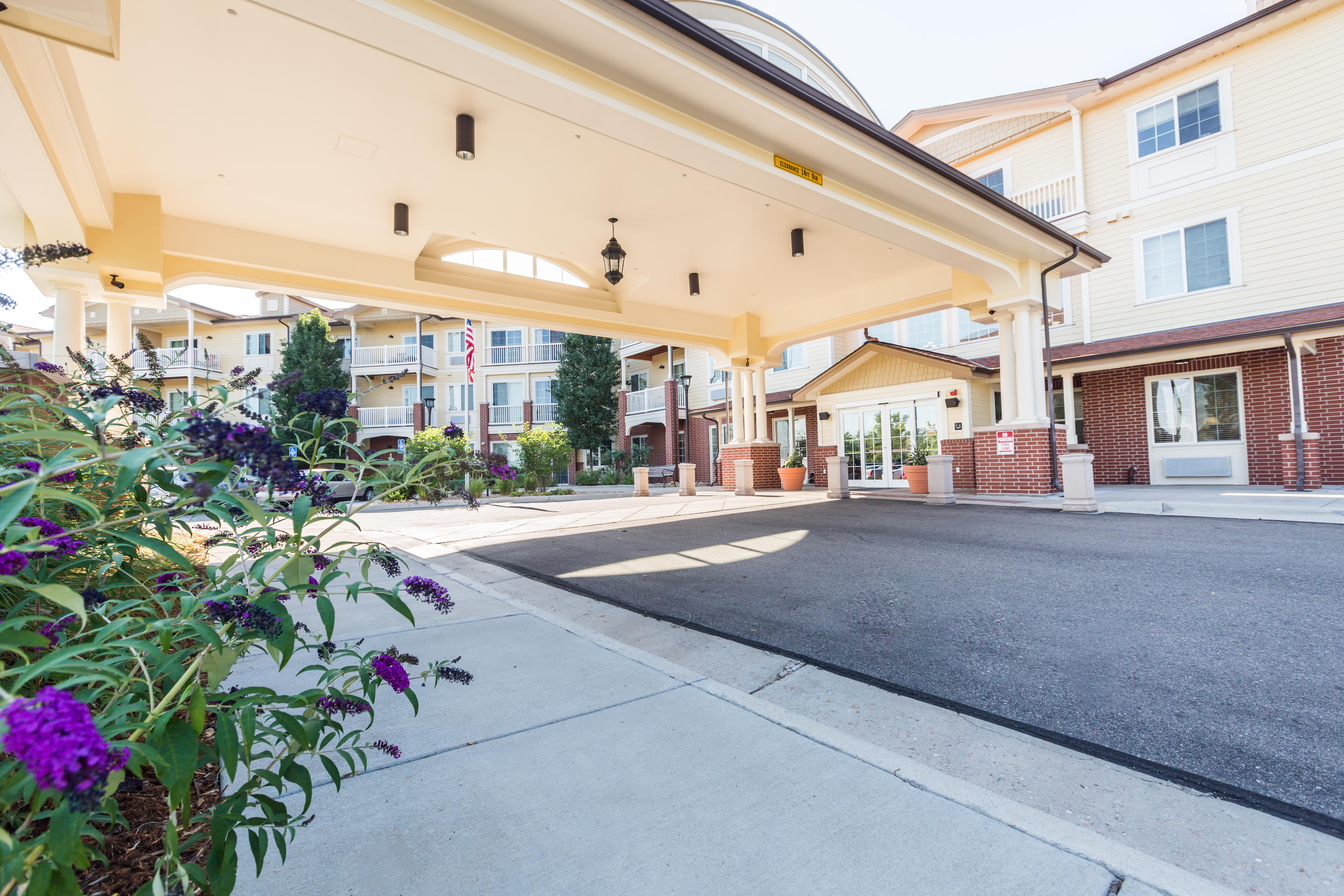 Entrance for Lakeview Senior Living in Lakewood, CO