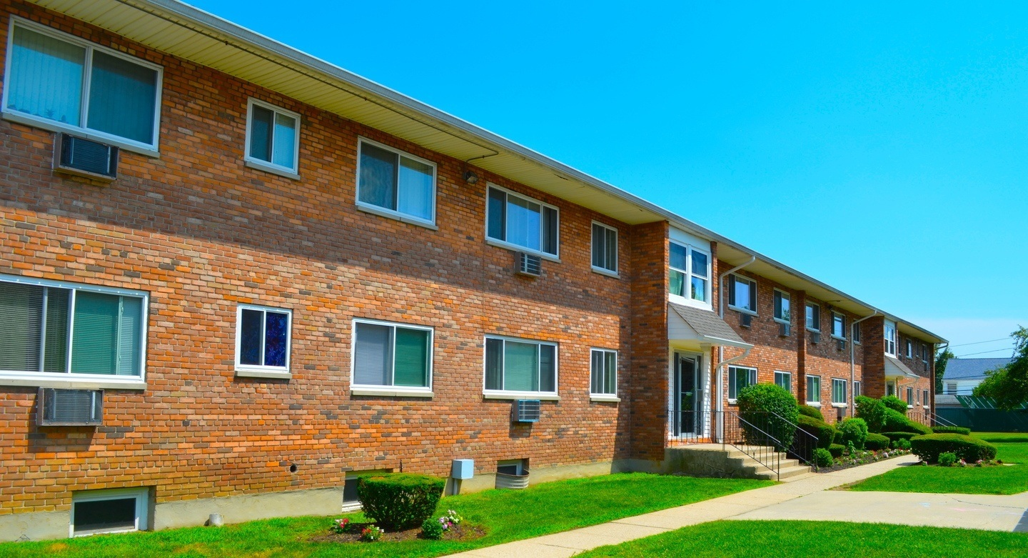 Apartments in Levittown, NY