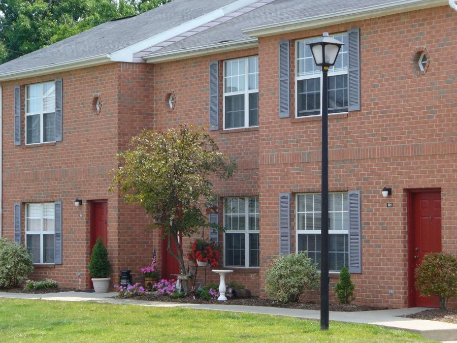 exterior at apartments in Cranberry Township, PA