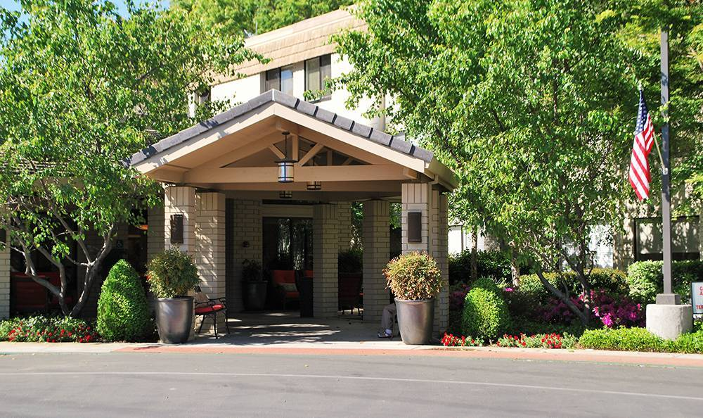 Sacramento Senior Living community has a clean Exterior Building