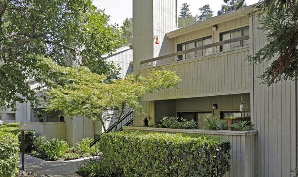 Clean Exterior Building at the Fair Oaks Apartments