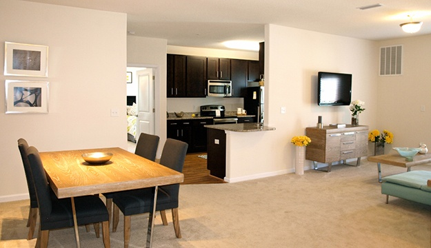 luxury 1 and 2 bedroom apartments in hampton va