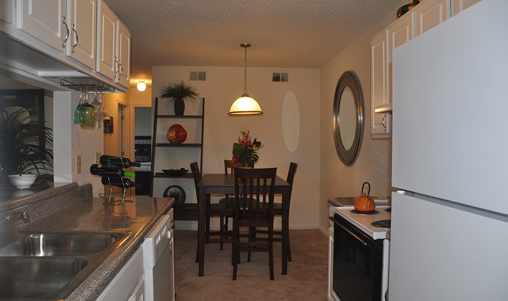 Dining Room At Apartments In Virginia Beach