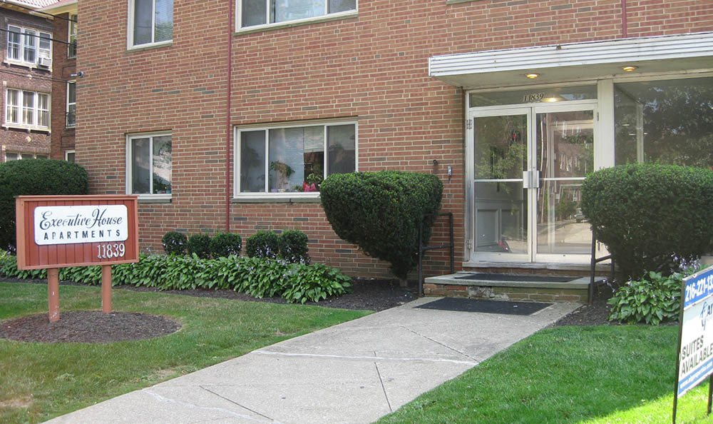 Exterior of Executive House Apartments in Lakewood, OH