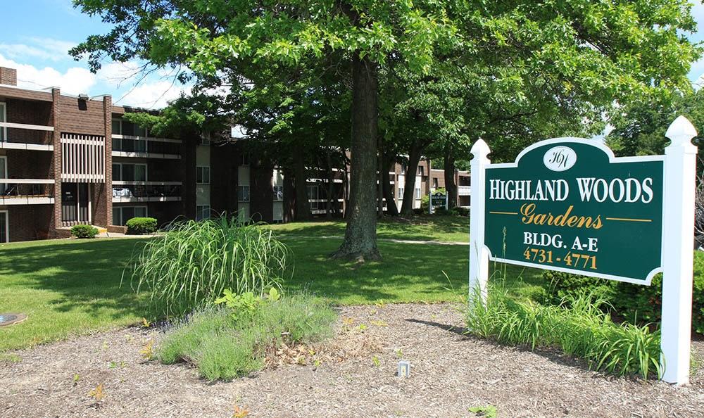 Signage at Highland Woods Apartments