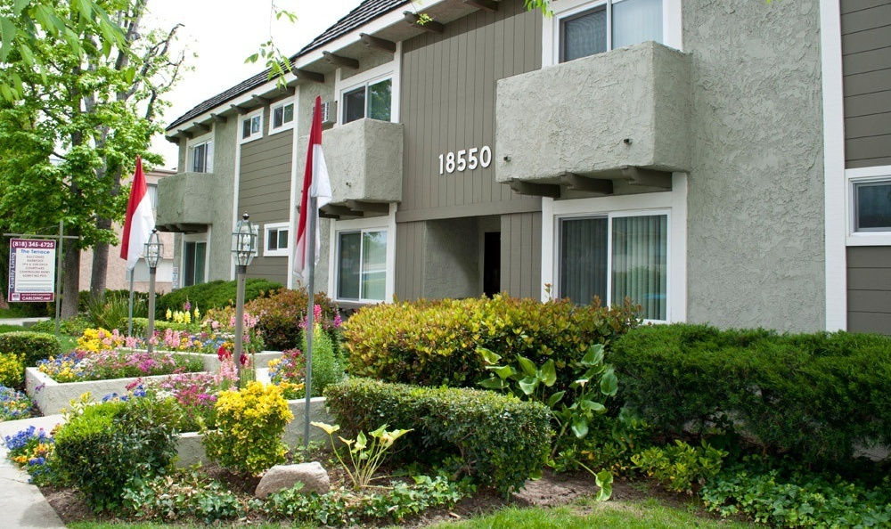 Apartment Exterior at The Terrace in Tarzana, CA