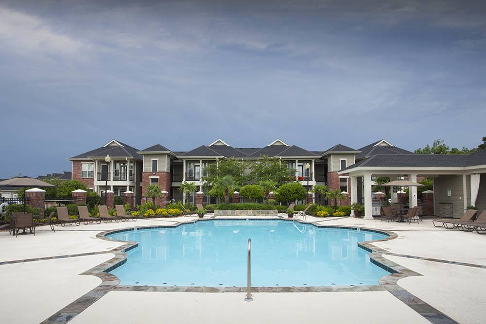 Country Club Pointe Apartment Homes