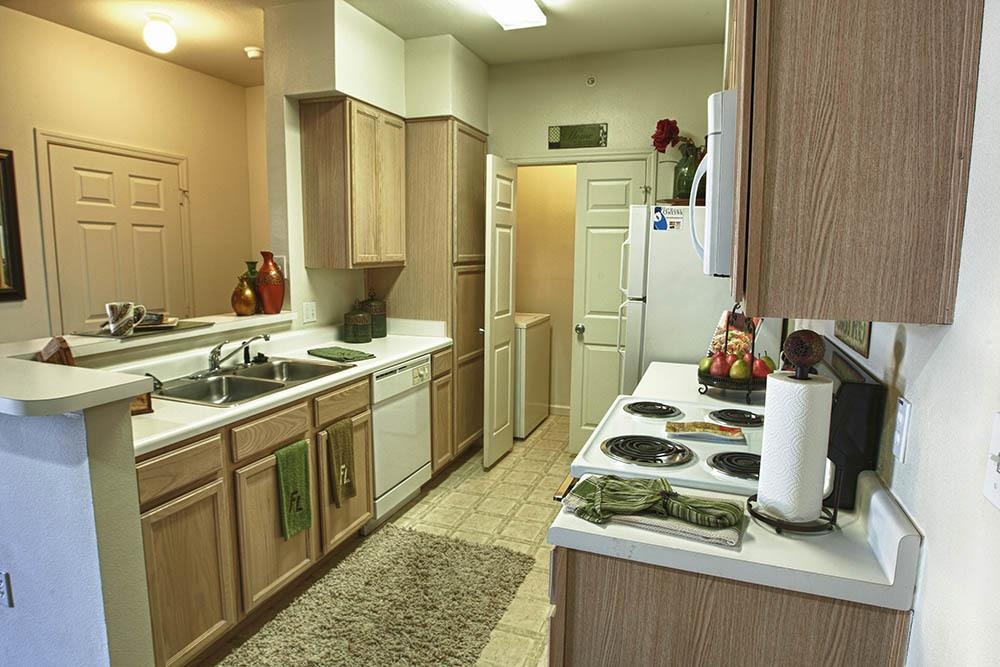 Fountain Lake Apartments With Full Range Kitchens
