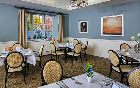 Residents may dine in our lavish main dining room, or choose more private dining options here at Maplewood at Danbury.