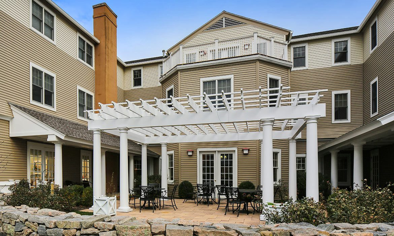 You'll find fantastic architecture and lavish decoration at Maplewood at Orange in Orange.
