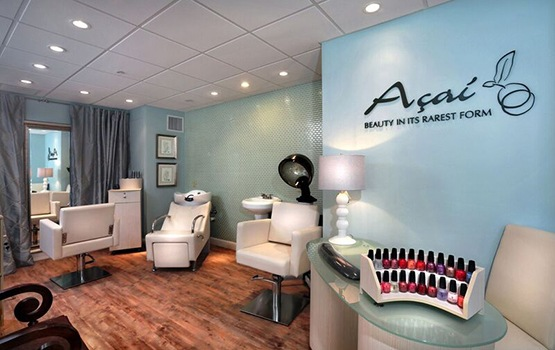 Maplewood at Strawberry Hill in East Norwalk, CT, has our own on-site salon and spa - get pampered!