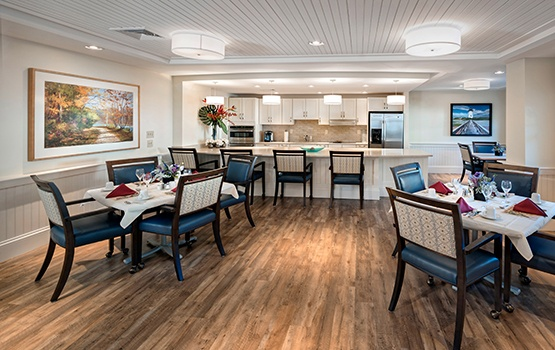 Dining at Maplewood at Weston in Weston, MA, is not to be missed; schedule your tour today and find out why!