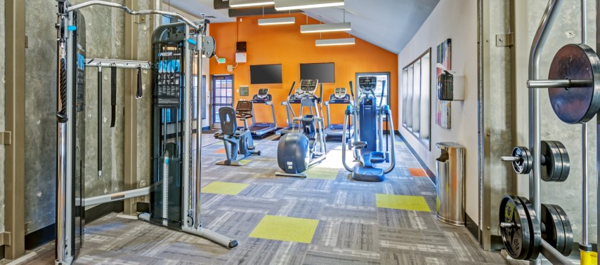 Expansive Fitness Center with Cardio Room